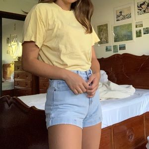 BRANDY MELVILLE 'HONEY' YELLOW TEE